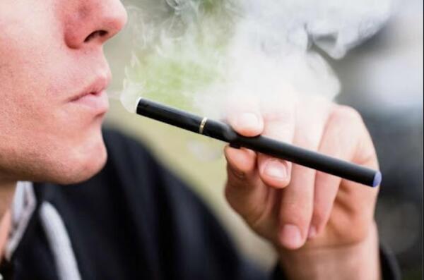 OMS pede a governos que façam fortes regulamentações sobre cigarro eletrônico